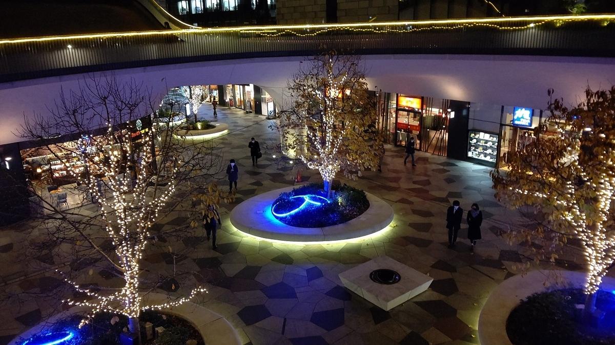 東新宿駅 新宿イーストサイドスクエア レストラン街 LED