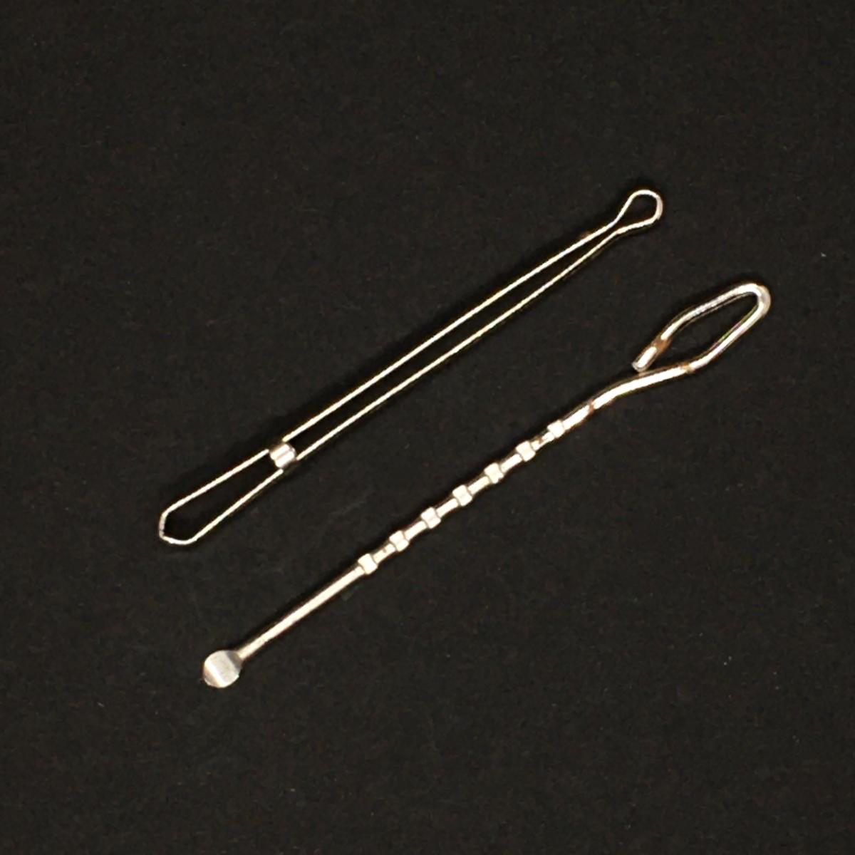 ゴム紐を通す金具部品