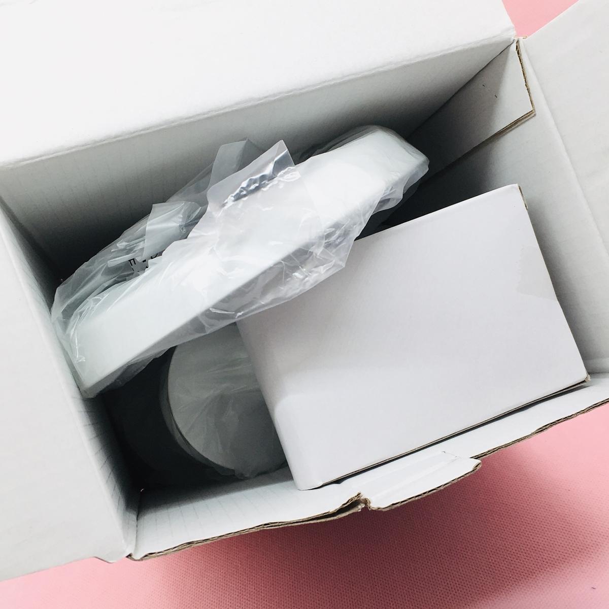 Amazonで購入したLEDリングライトJKSWTの入っていた箱を開けてみる