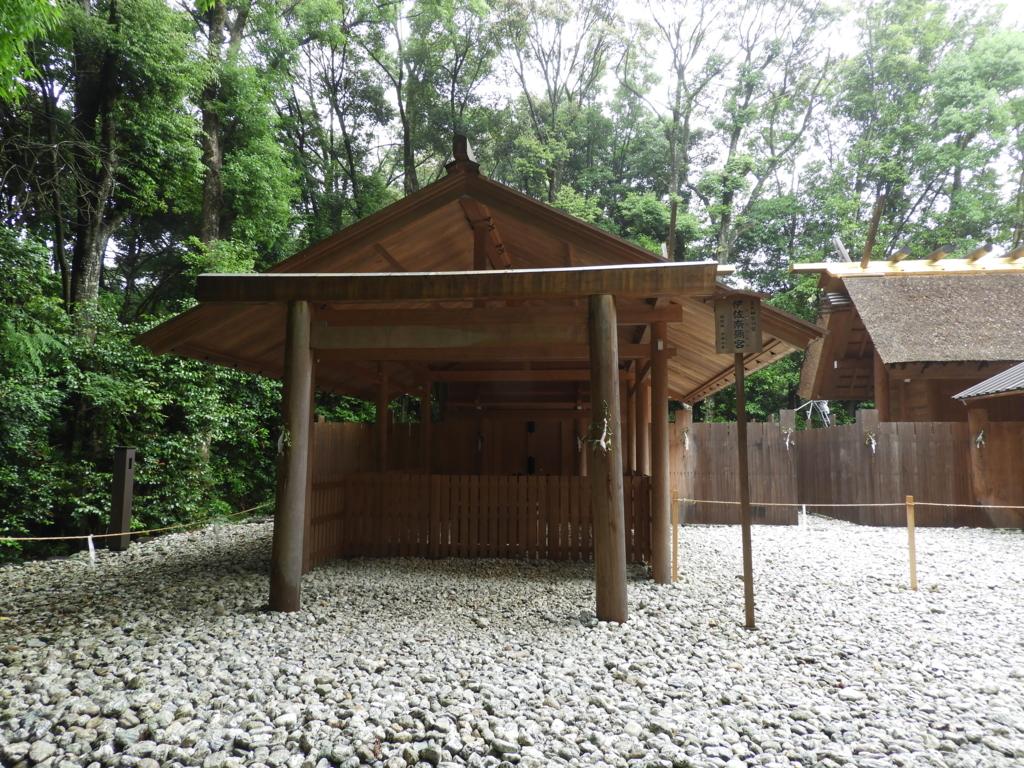 伊佐奈弥宮の社殿