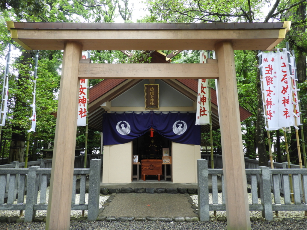佐瑠女神社の社殿