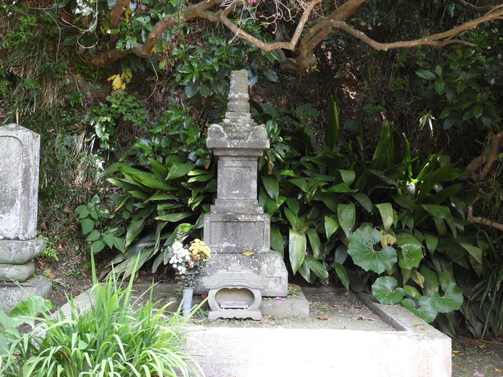 安養院の北条政子の墓