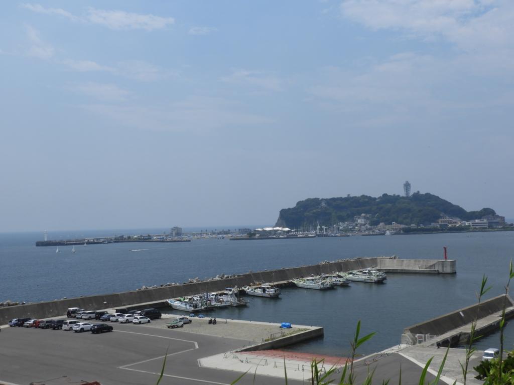 展望台から望む江の島の姿