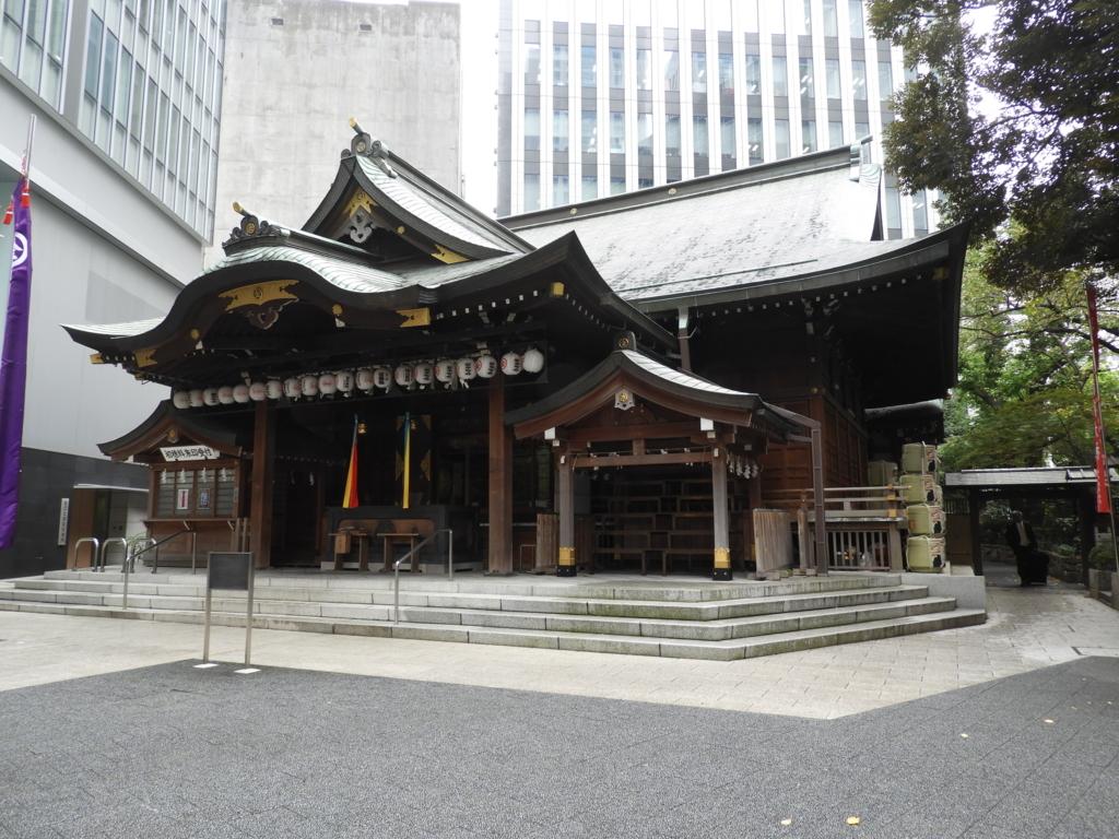 総尾州檜造り、銅板葺きの社殿