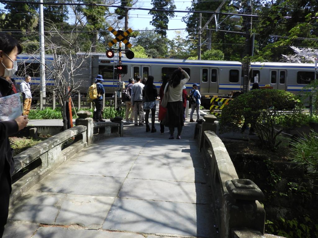 白鷺池に架かる円覚寺の「降魔橋」