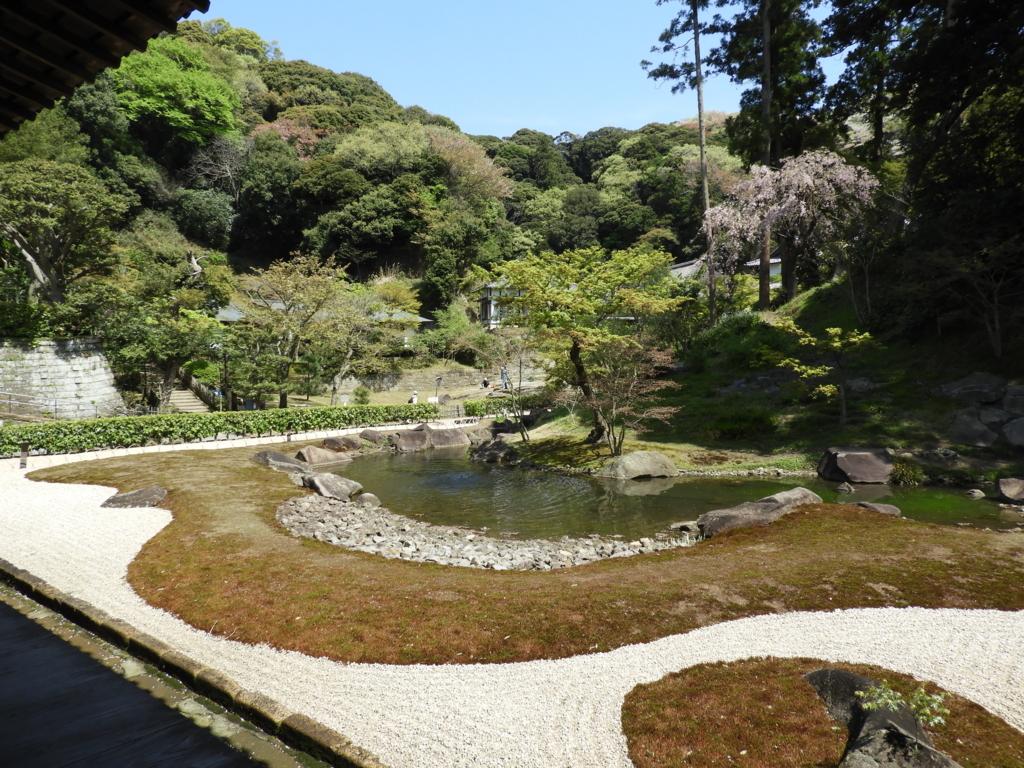 円覚寺の方丈裏の庭園