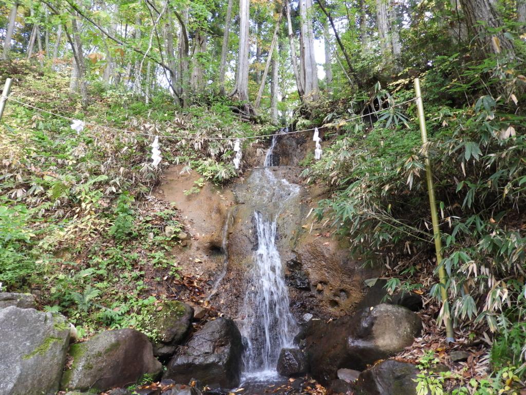 戸隠神社中社のさざれ滝