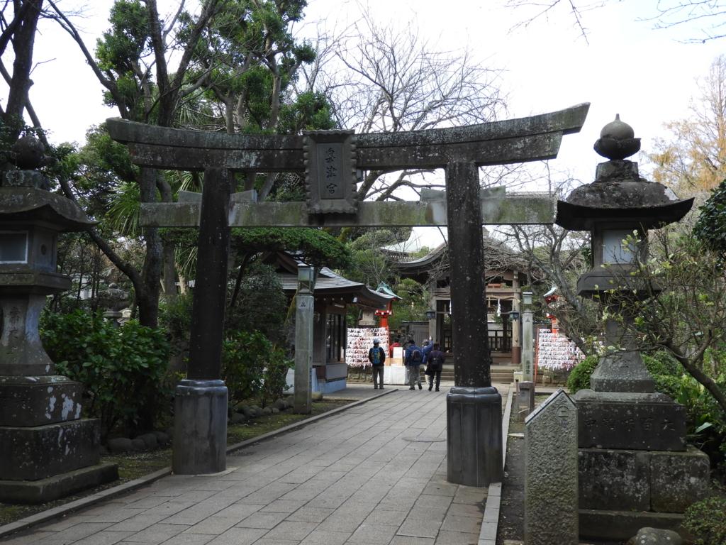 江島神社奥津宮の石鳥居