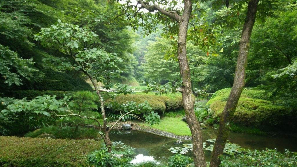 明月院の非公開の庭園