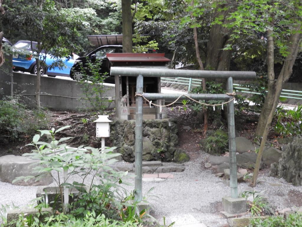来宮神社の境内社である三峯神社