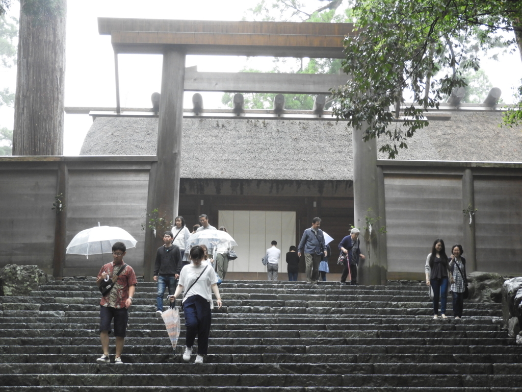 正宮へ向かう石段