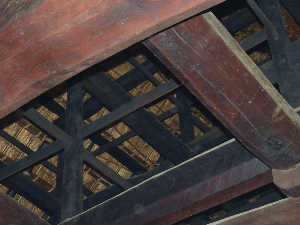 深大寺本坊旧庫裡の茅葺屋根
