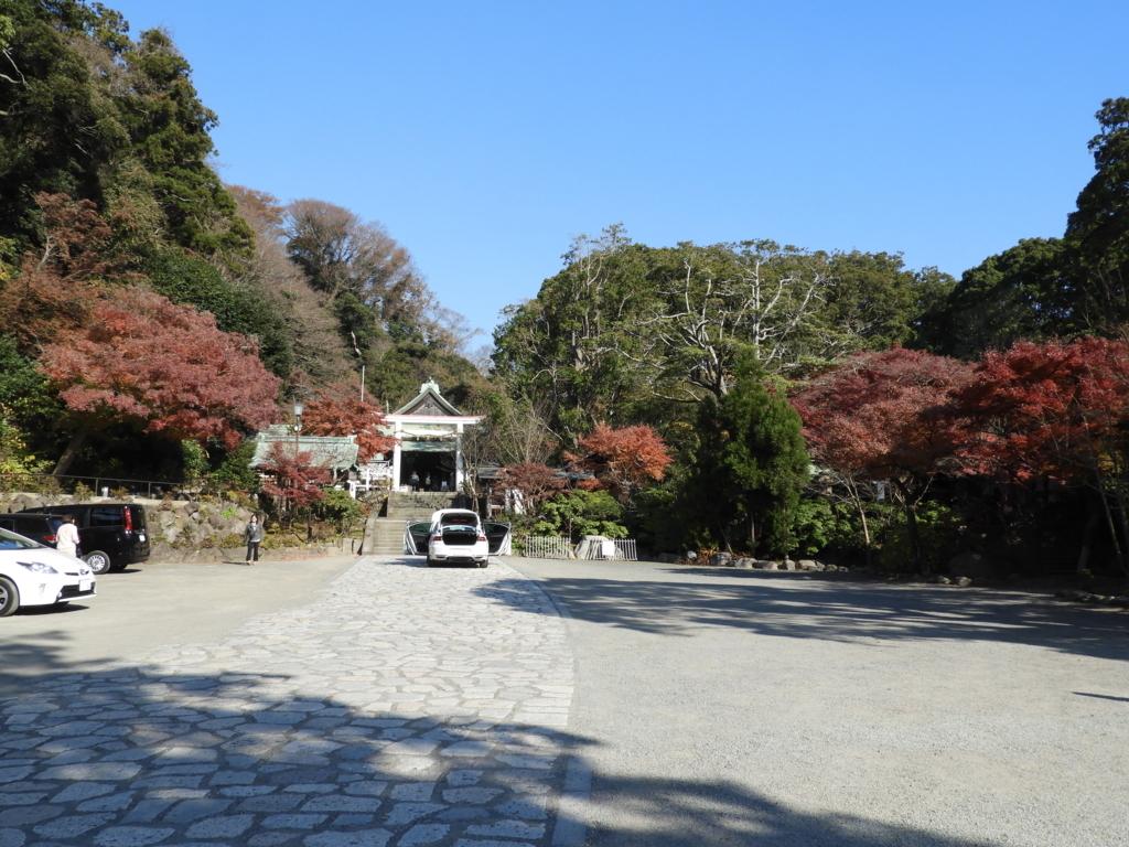 明治天皇自ら創建した鎌倉宮の境内