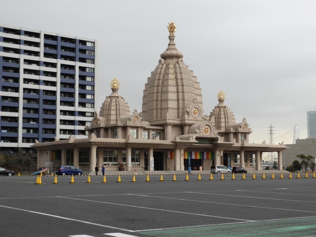 川崎大師の自動車交通安全祈祷殿