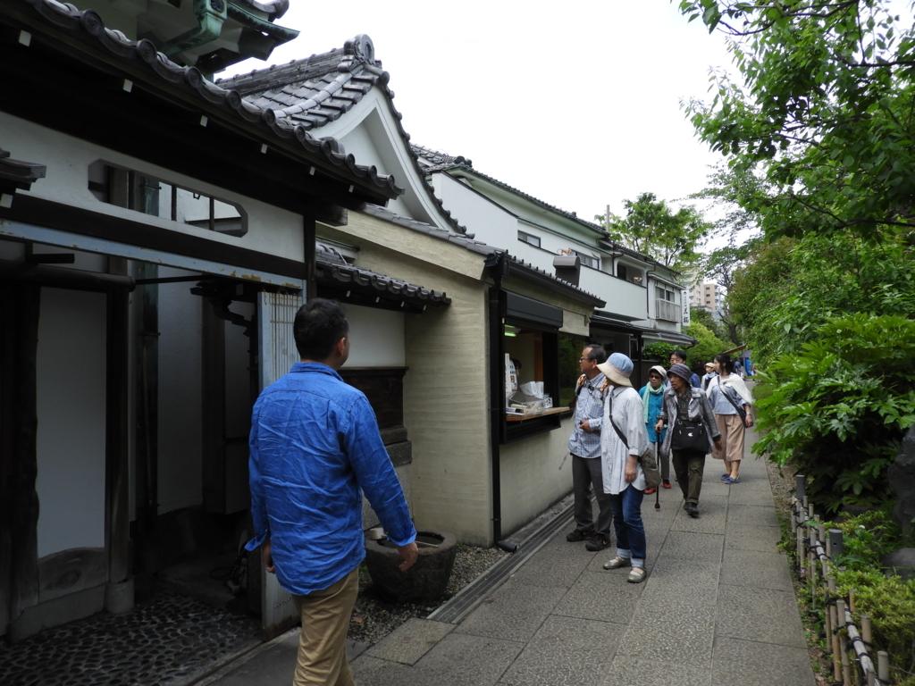 亀戸天神社の境内にある日本料理店として知られる若福