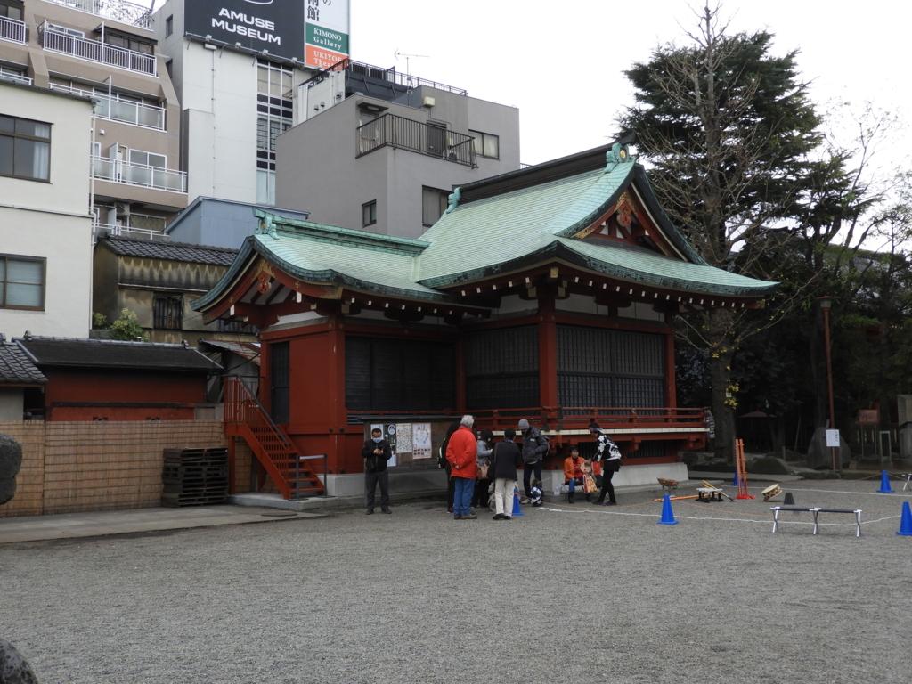 浅草神社の神楽殿