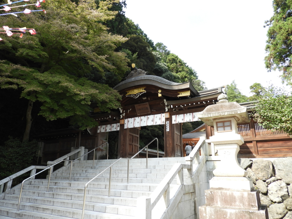 高麗神社の御神門