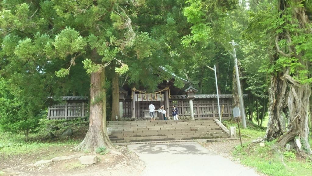 諏訪大社四社で上社前宮にだけ存在する本殿