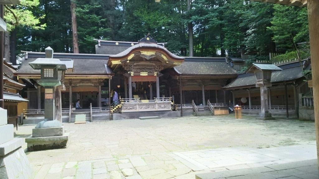 諏訪大社上社本宮の拝殿