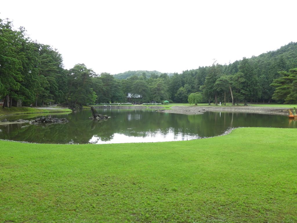 毛越寺を象徴する浄土庭園