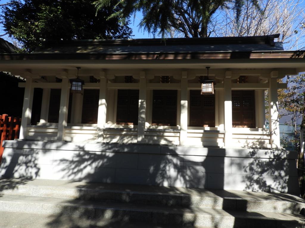 一番左に松尾芭蕉が祀られている八つの末社