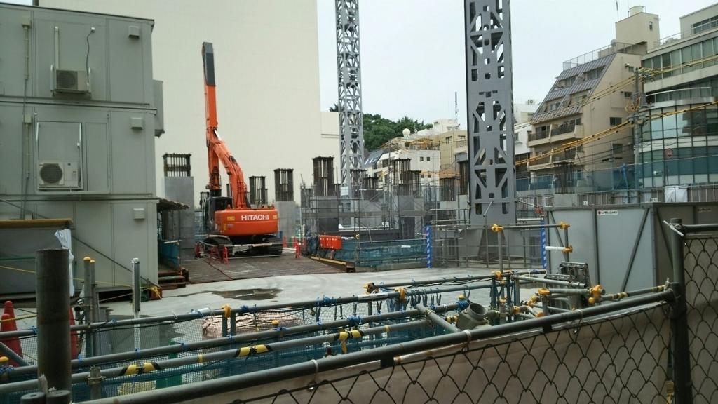 マンションの工事現場