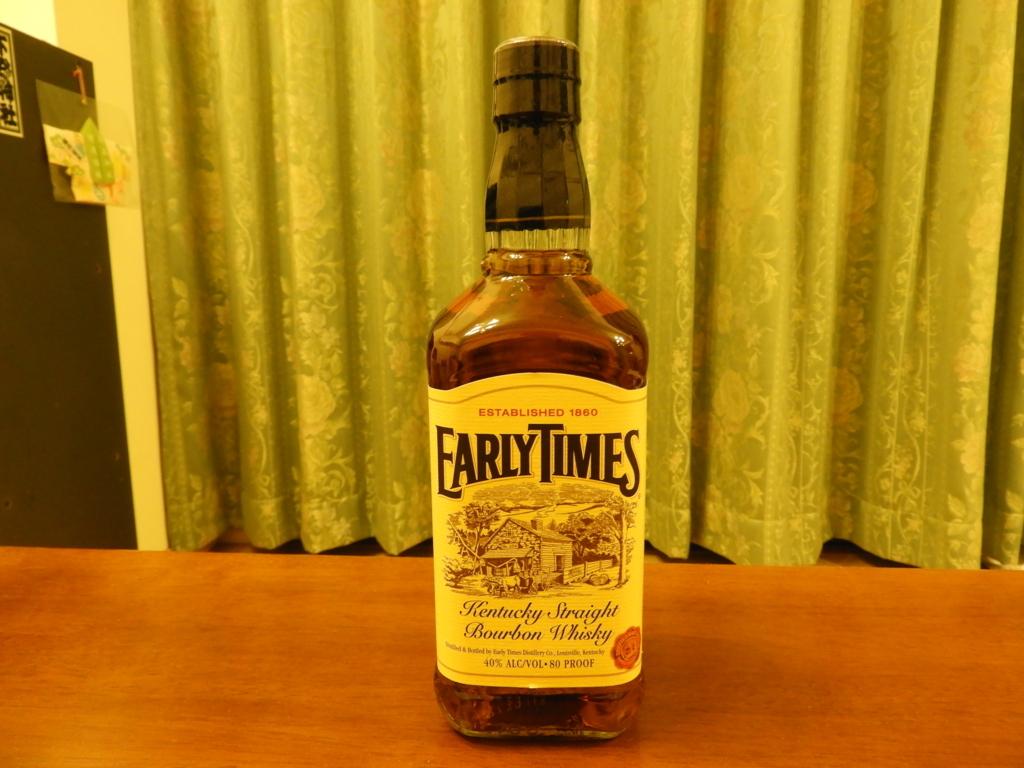 「開拓時代」を意味するアーリータイムズのボトル
