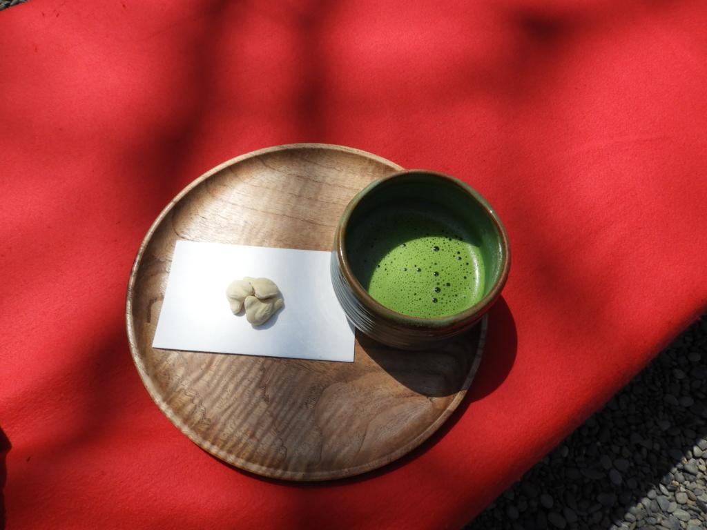 佛日庵で頂く抹茶と和菓子