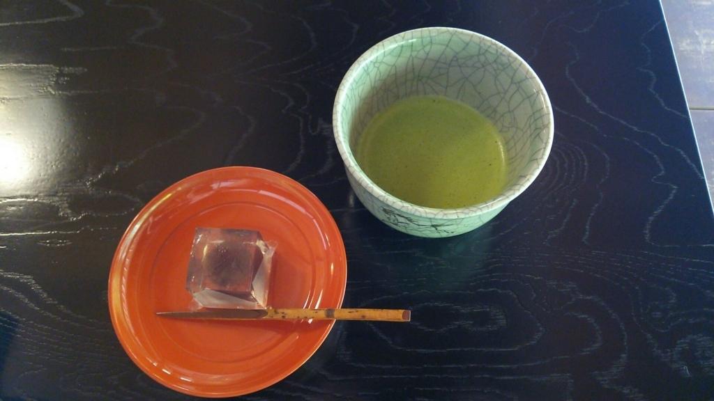茶堂「喜泉庵」で頂く抹茶と老舗和菓子屋「美鈴」の上生菓子