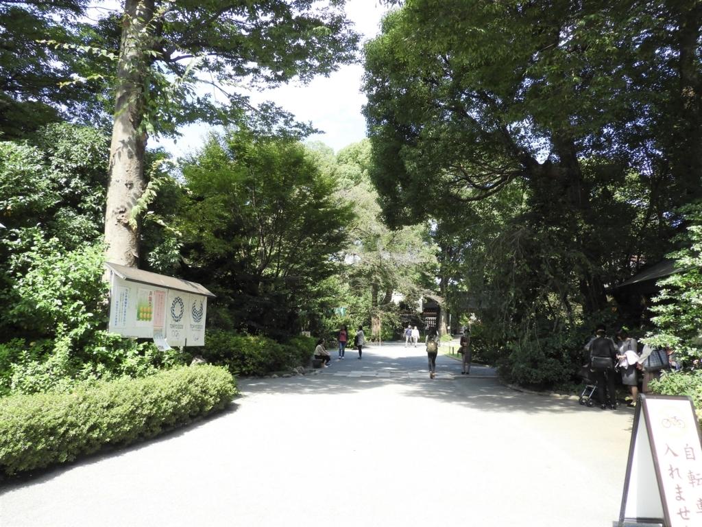 阿佐ヶ谷神明宮の境内