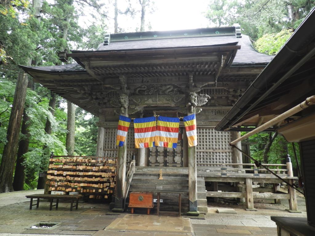 勝軍地蔵菩薩の他弁慶や義経の像も祀っている中尊寺弁慶堂