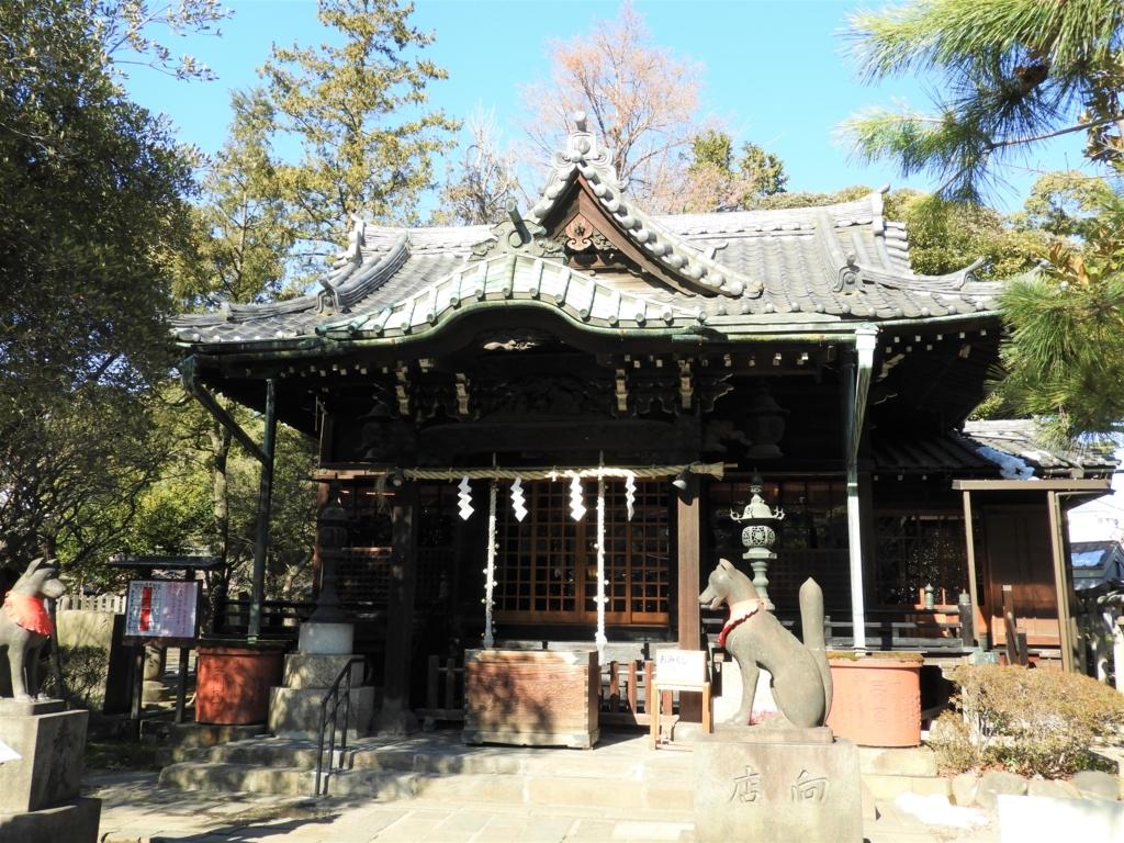 三囲神社の拝殿
