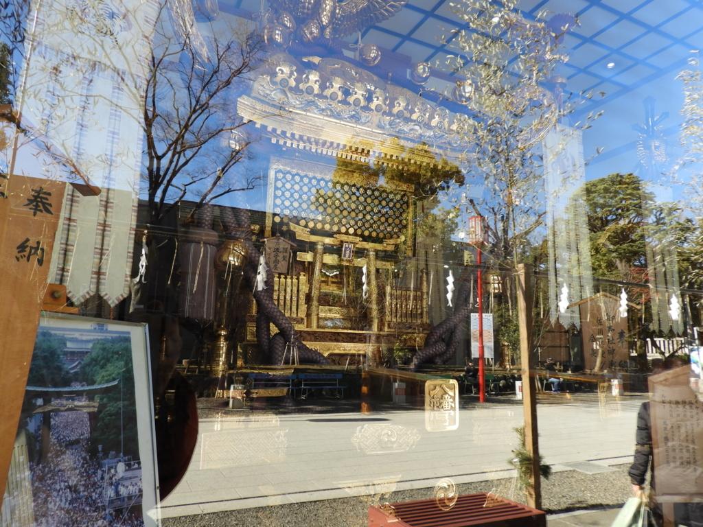 富岡八幡宮の神輿庫に納められた日本一の神輿