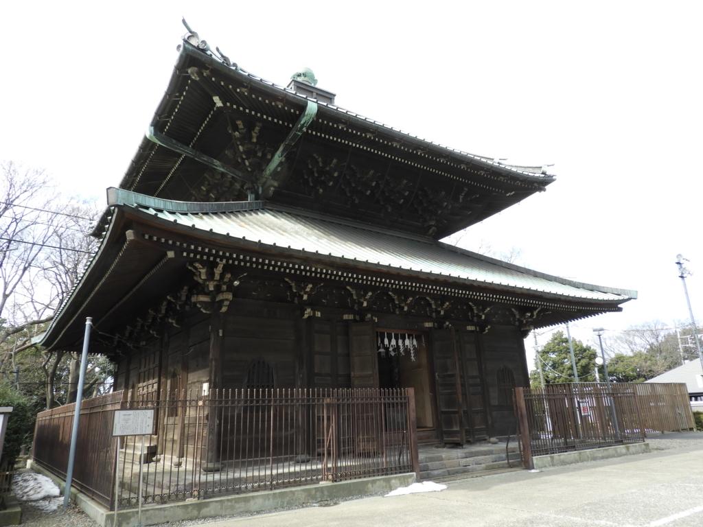 内部には回転する八角形の書架がある池上本門寺の経蔵