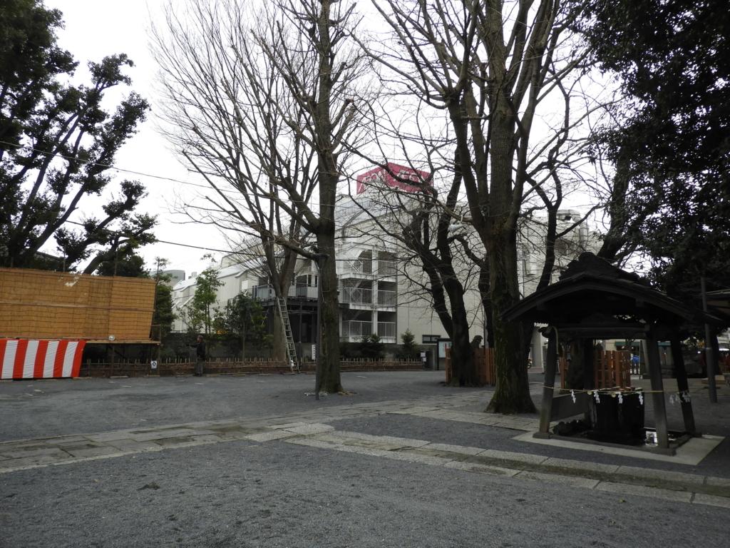 江戸の豪商の寄進により成立した御嶽神社の境内