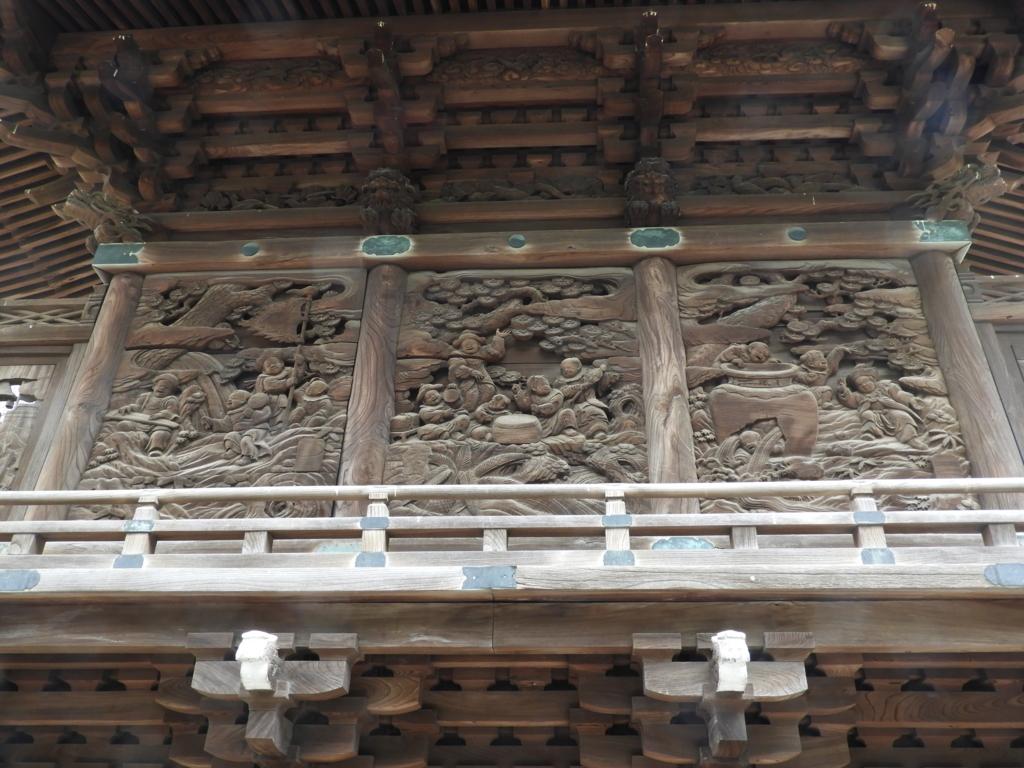 御嶽神社の本殿背後の彫刻