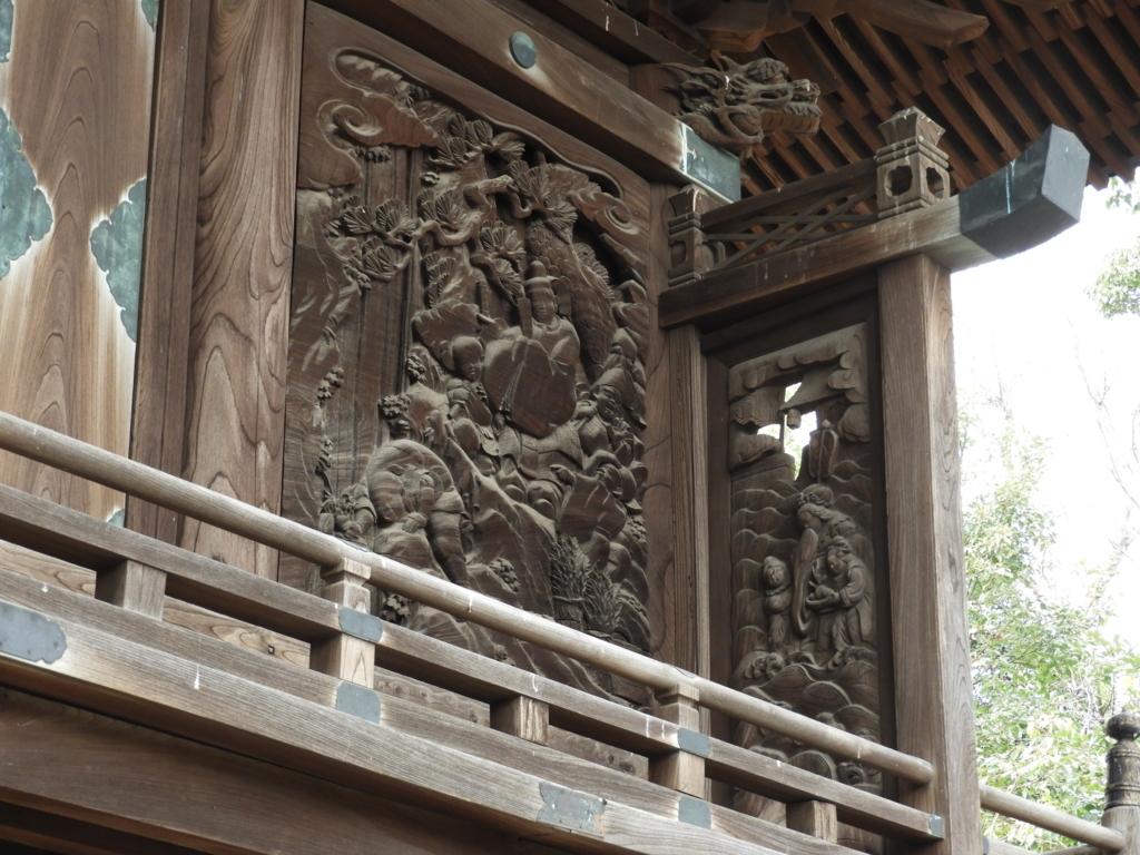 御嶽神社の回廊突き当りの乙姫様の彫刻