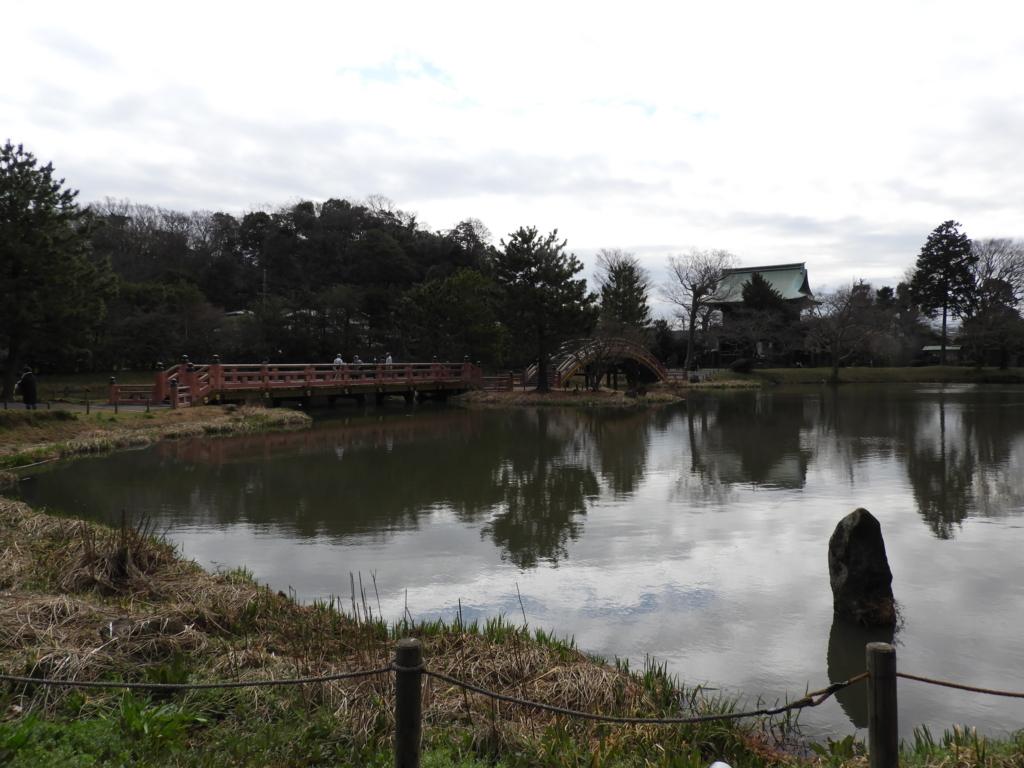 毛越寺庭園に似ている称名寺庭園