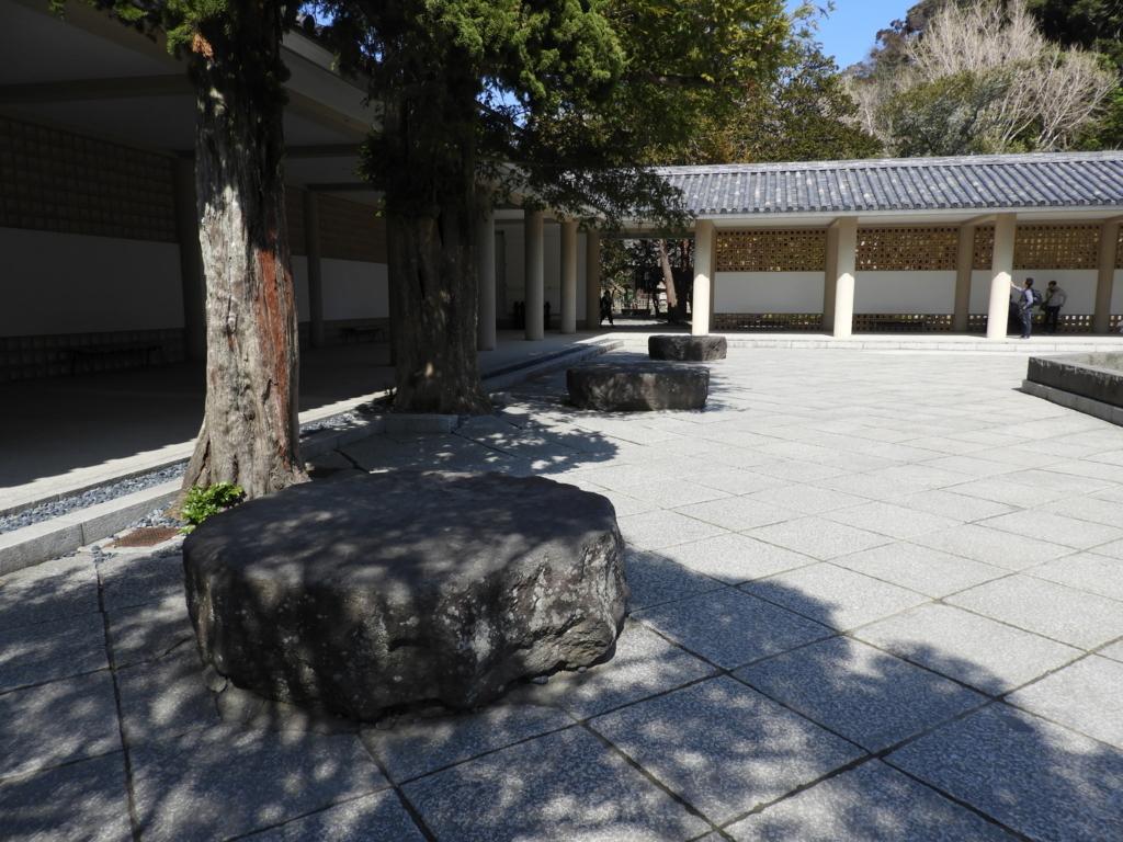 大仏殿の礎石