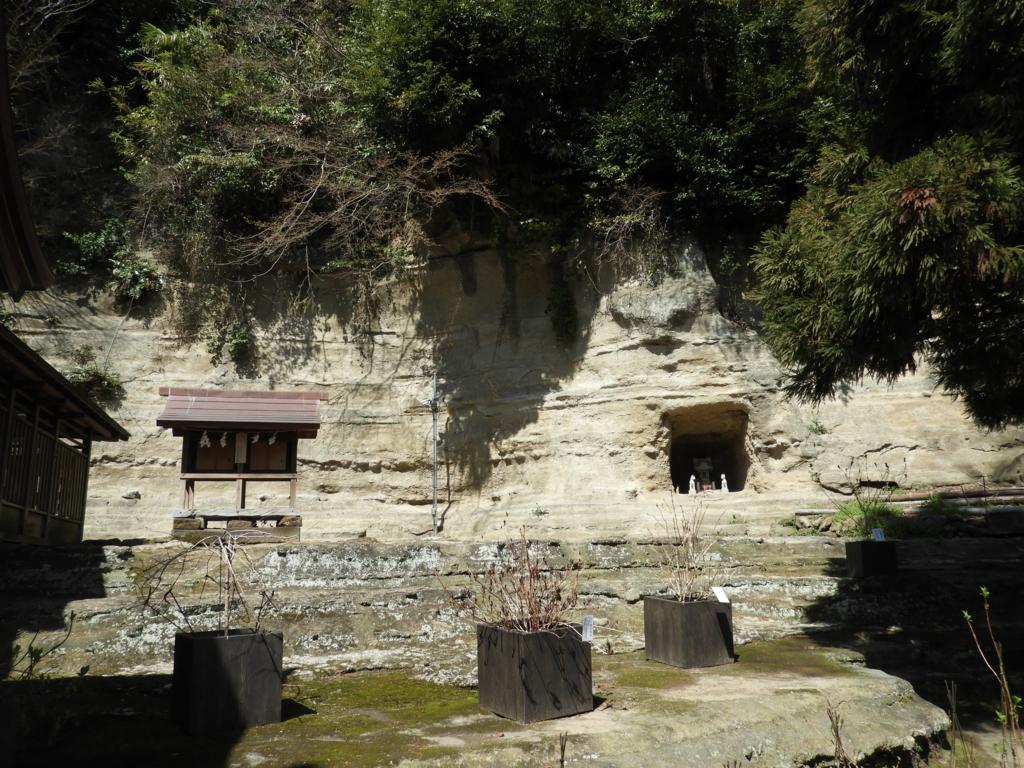 瀬戸神社の左末社