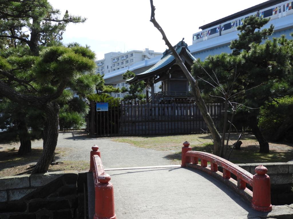 琵琶島と陸を結ぶ橋