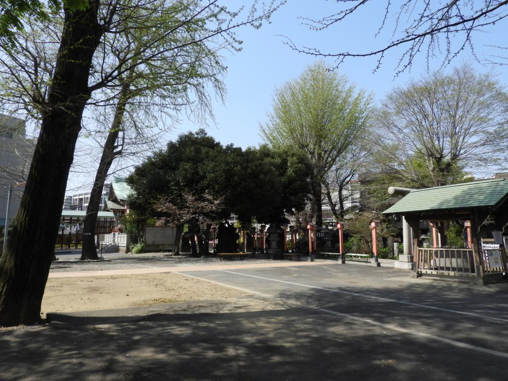 千住神社の境内