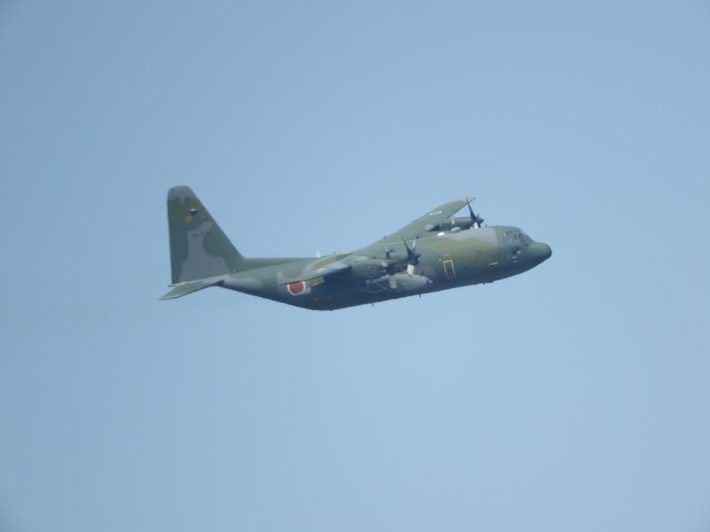 輸送機C-130