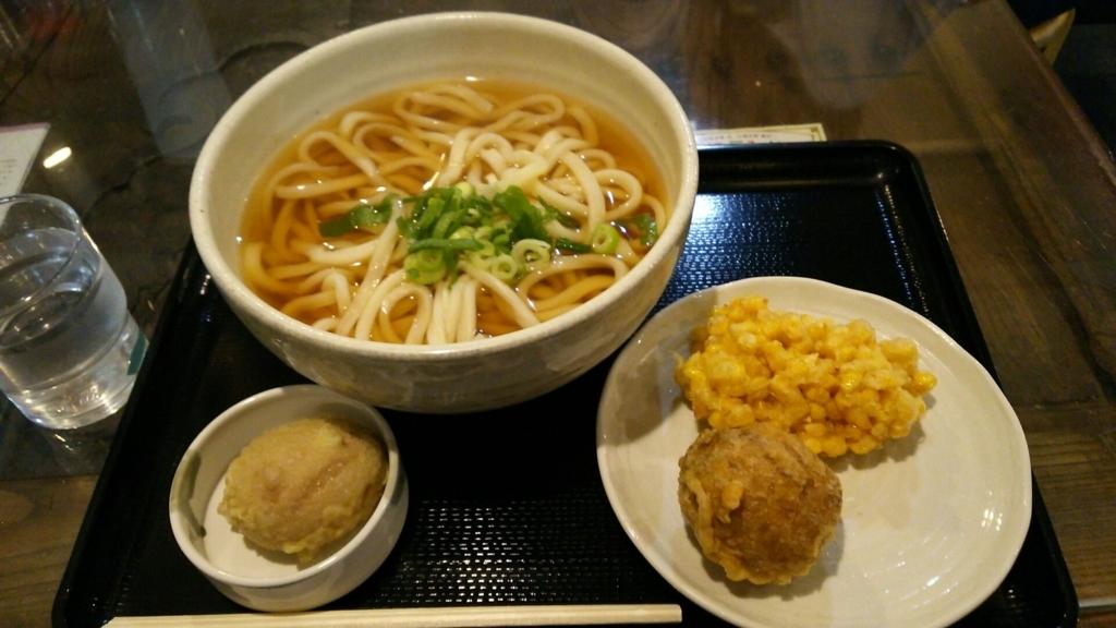 かけうどんと野菜の天ぷら