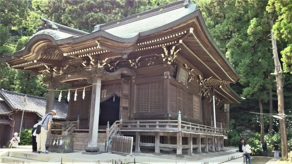 御霊神社の社殿