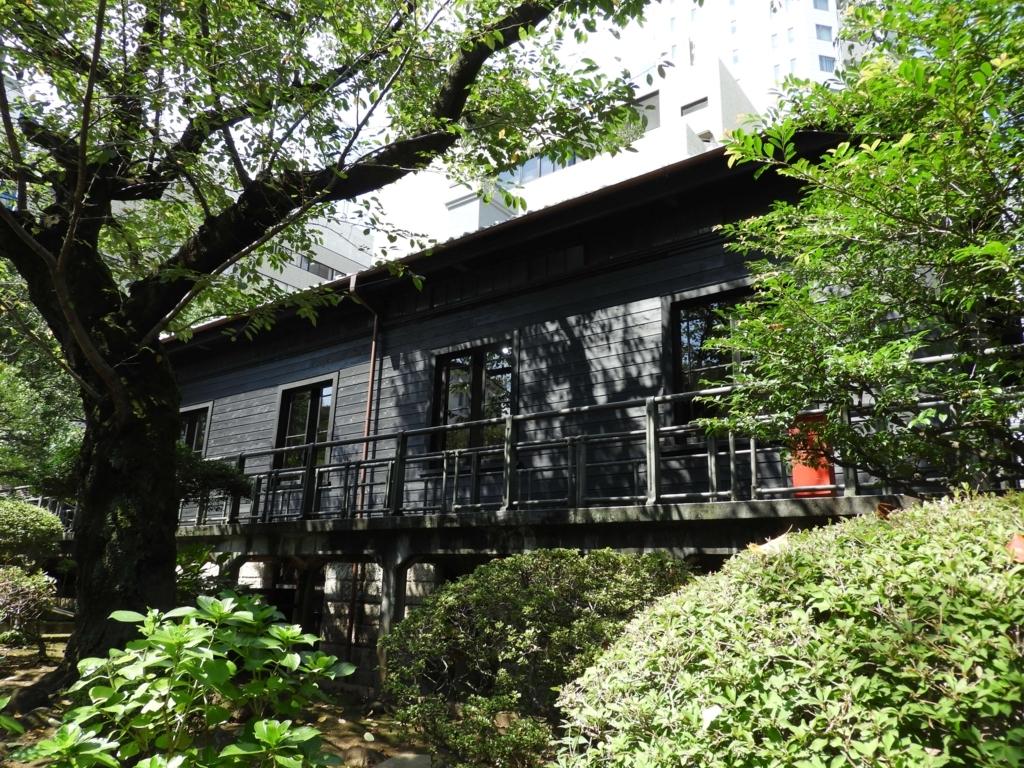 横から見た旧乃木邸