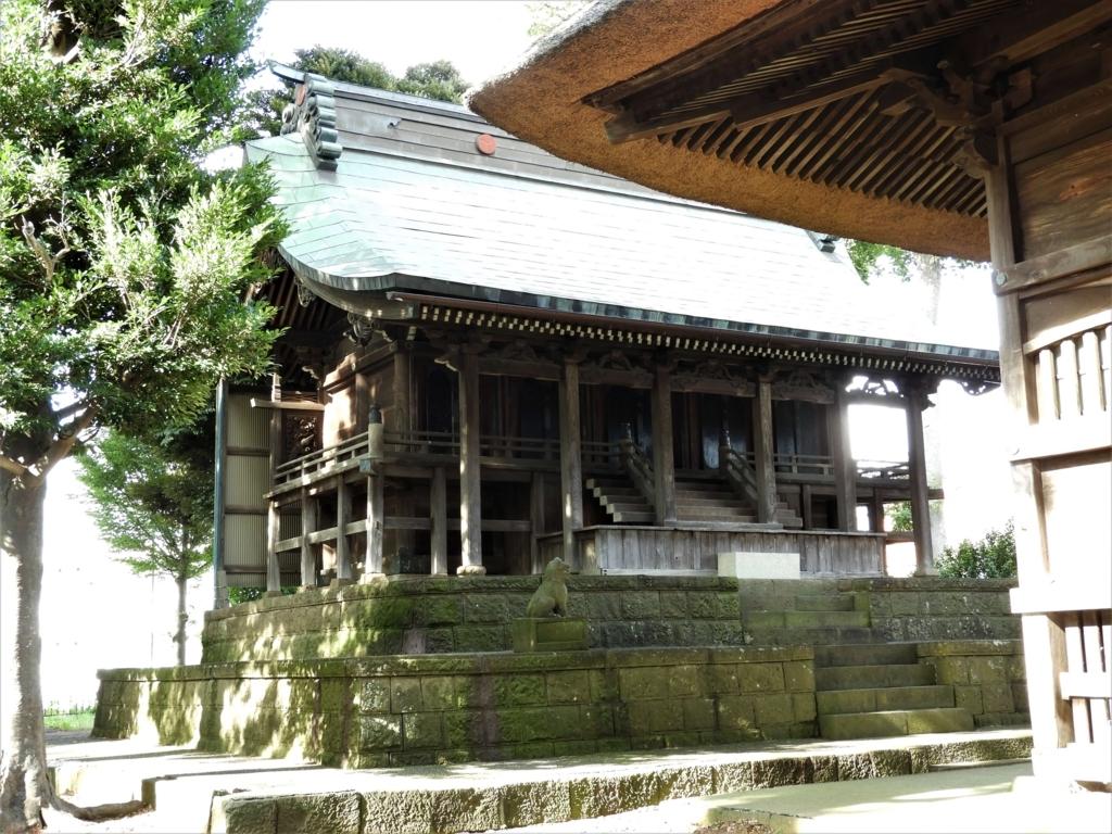 高部屋神社の江戸時代初期の雰囲気をそのまま残す本殿