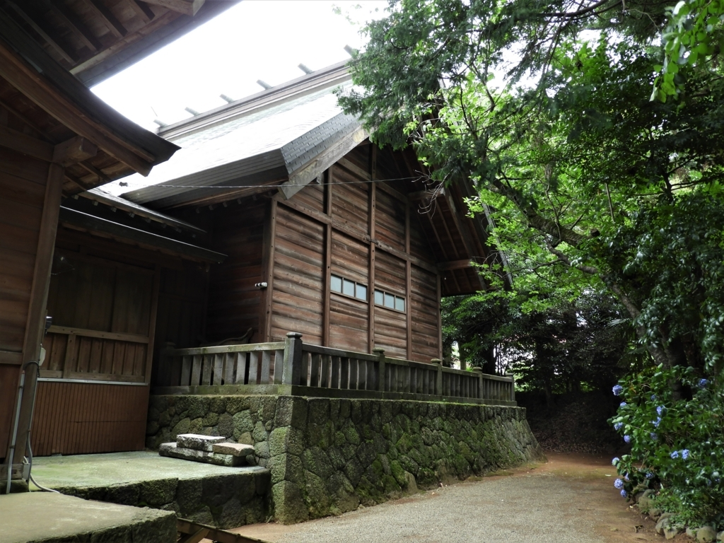 比々多神社の本殿