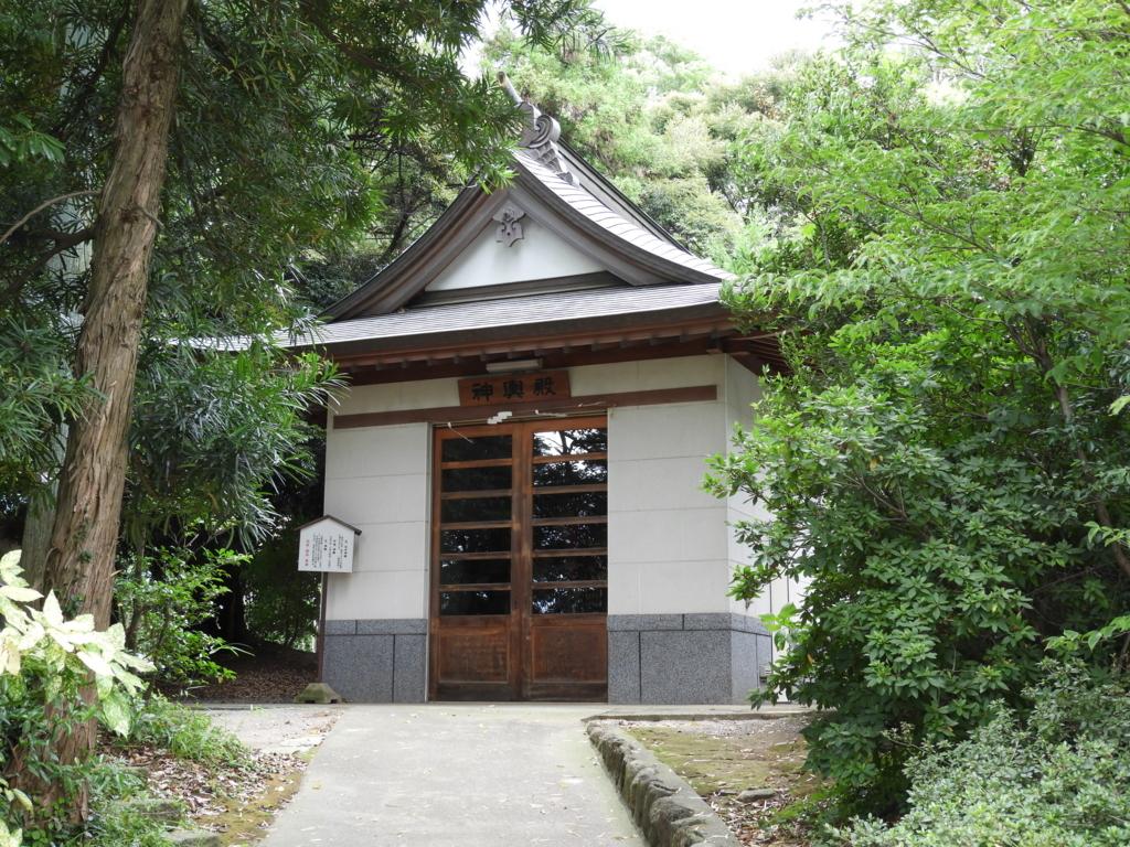 比々多神社の神輿殿