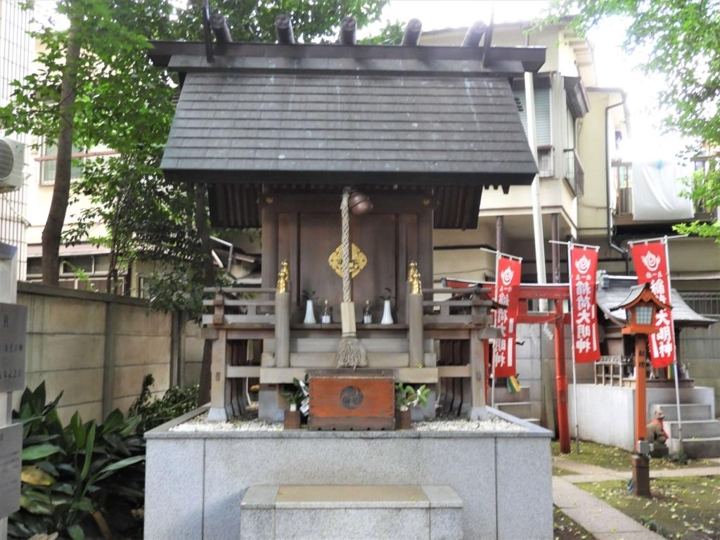 気象神社の社殿